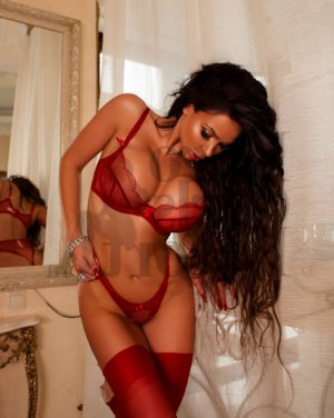 Melania nuru massage and live escorts