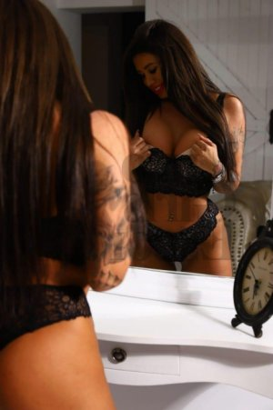 Maria-antonietta live escort in Jenks OK
