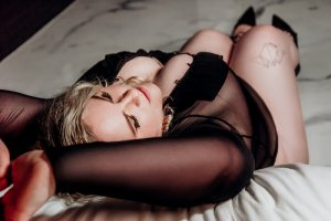 Ysaure erotic massage in Fernandina Beach & escort