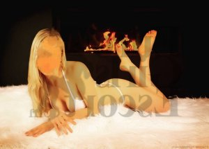 Fatiya cheap live escort & tantra massage
