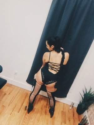 Irys cheap escort girl & happy ending massage