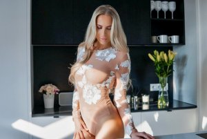 Tressia happy ending massage in Candelaria & live escort