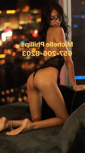 Rosinda escort girl in Arkansas City KS and massage parlor