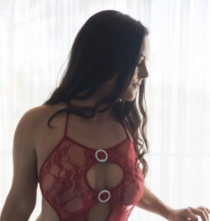 Loumna happy ending massage in Centennial, call girls